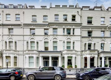 2 bed flat for sale in Elm Park Road, London SW3