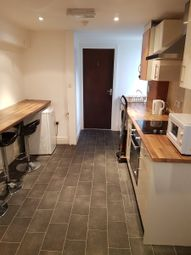 Thumbnail Room to rent in Milton Walk, Doncaster
