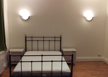 Thumbnail Room to rent in Brent Street, London