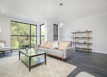 Thumbnail 3 bedroom town house for sale in Kings Avenue, Brixton