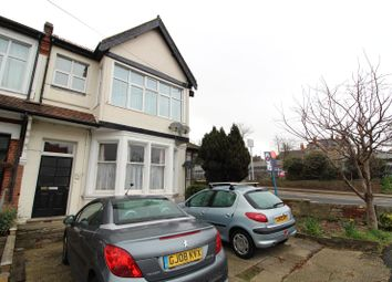 Thumbnail 2 bed flat to rent in Manor Road, Westcliff-On-Sea, Essex