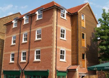 Thumbnail 1 bed flat to rent in Bridge Street, Godalming