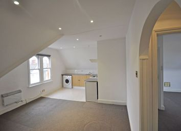 Thumbnail 1 bed flat to rent in Elm Road, Mortlake