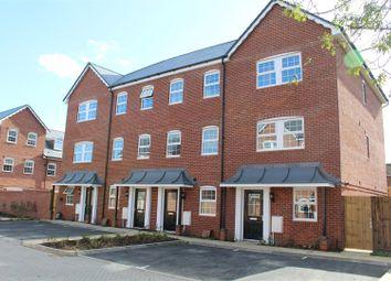 Thumbnail 4 bed flat to rent in Ashton Gardens, Eastleigh