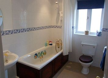 Thumbnail 4 bed town house to rent in Hedingham Close, Macclesfield