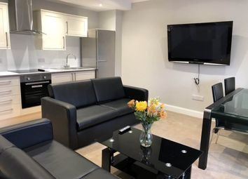 2 bed flat to rent in Black Street, Dundee DD2
