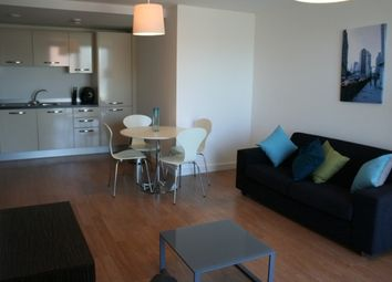2 bed flat to rent in Skyline, St Peters Square, City Centre LS9