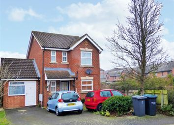 Thumbnail 5 bedroom detached house for sale in Wraysbury Close, Luton, Bedfordshire