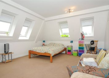 Thumbnail Studio to rent in Amberley Place, Windsor, Berkshire