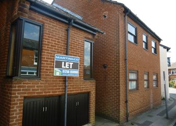 Thumbnail 2 bed flat to rent in Flaxfield Road, Basingstoke