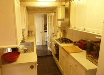 Thumbnail 2 bed property to rent in Cross Lane East, Gravesend