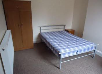 Thumbnail 6 bedroom shared accommodation to rent in Newhampton Road West, Wolverhampton