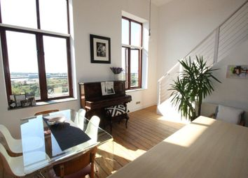 Thumbnail 1 bed flat to rent in Dock View Road, Barry
