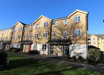 Thumbnail 4 bed town house to rent in Stephenson Wharf, Hemel Hempstead, Herts