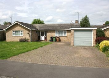 Thumbnail 4 bed detached bungalow to rent in Makins Road, Henley-On-Thames, Oxfordshire