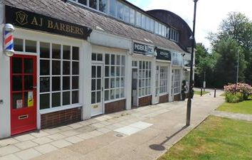 4 The Fairings, Tenterden, Kent TN30. Retail premises to let