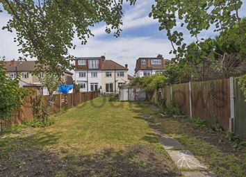 3 bed property to rent in Monkleigh Road, Morden SM4