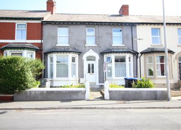 2 bed flat to rent in Sherbourne Road, Blackpool FY1
