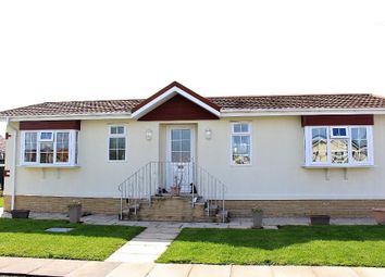 2 bed mobile/park home for sale in The Avenue, Wyre Vale Park, Garstang, Lancashire PR3