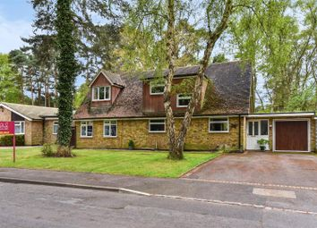 4 bed property for sale in Parkway, Crowthorne, Berkshire RG45