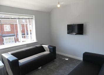 2 bed maisonette to rent in Holt Road, Southampton SO15