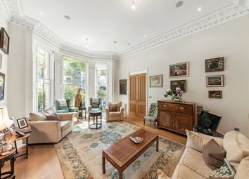 3 bed flat for sale in Holland Park, London W11