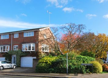 Thumbnail 5 bed town house to rent in Baronsmead, Henley-On-Thames