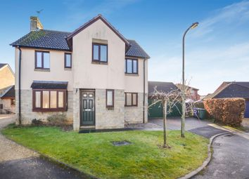 4 bed detached house for sale in Tangmere Close, Bicester OX26