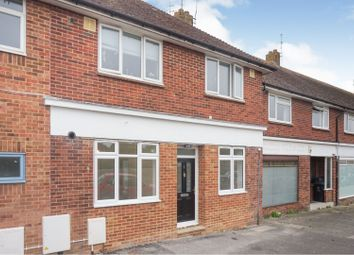 Thumbnail 2 bed property for sale in Meadow Parade, Brighton