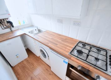 1 bed flat to rent in Courtland Avenue, Ilford IG1
