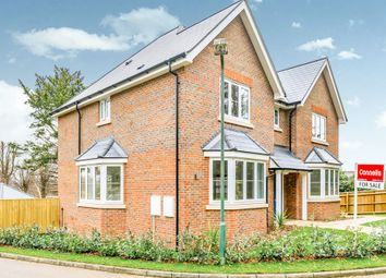 Thumbnail 4 bed detached house for sale in Waglands Garden, Buckingham
