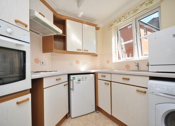 Thumbnail 1 bed flat to rent in Chaldon Road, Caterham