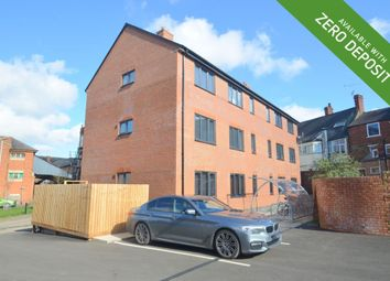 2 bed flat to rent in Hazelwood Lane, Kettering NN16
