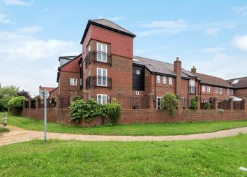 Thumbnail 1 bedroom flat to rent in Holders Close, Billingshurst