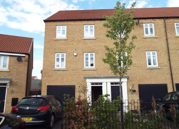 Thumbnail 3 bed town house to rent in Elter Drive, Doncaster