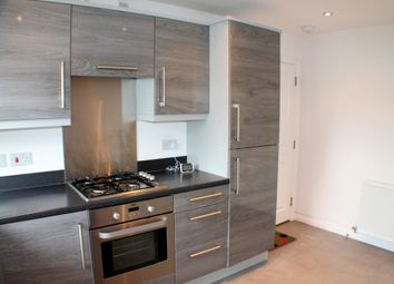 Thumbnail 2 bed flat to rent in Pilmuir Place, Dunfermline, Fife