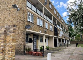 3 bed property to rent in Cambridge Heath Road, Whitechapel, London E1