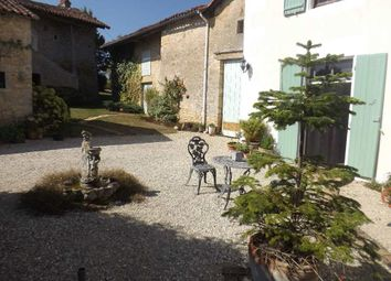 Thumbnail 4 bed property for sale in Poitou-Charentes, Vienne, Charroux