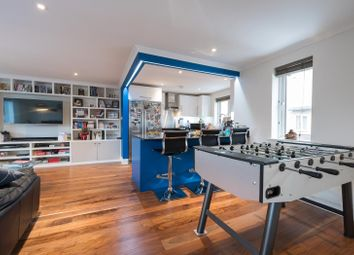Thumbnail 2 bedroom flat for sale in Clapham High Street, London