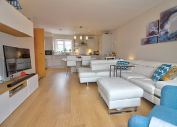 Thumbnail 2 bed flat for sale in Faringdon Road, Earley, Reading
