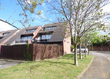 Thumbnail 2 bed flat to rent in Abingdon Court, Basildon