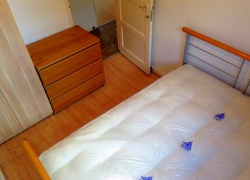 Thumbnail Room to rent in Canrobert Street, London