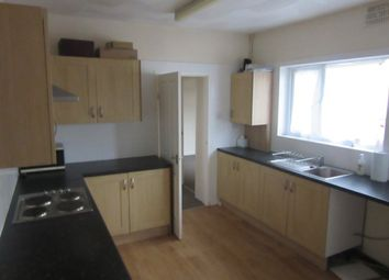 Thumbnail 2 bedroom flat to rent in 1st Floor Flat, Oystermouth Road, Swansea.