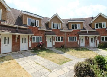 3 bed town house for sale in Evesham Road, Emmer Green, Reading RG4