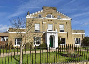 Thumbnail 4 bedroom flat for sale in Crowdleham House, Kemsing