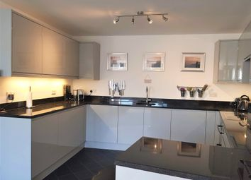 Thumbnail Flat for sale in High Street, Horley