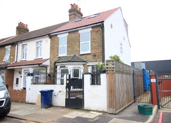 Thumbnail 3 bed maisonette to rent in Salisbury Road, Southall