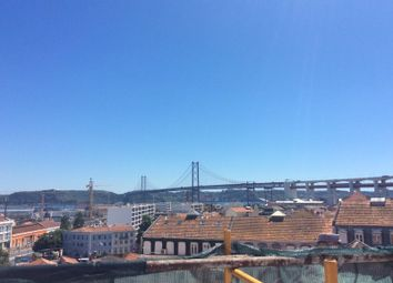 Thumbnail Block of flats for sale in Rua Feliciano De Sousa, Alcântara, Lisboa