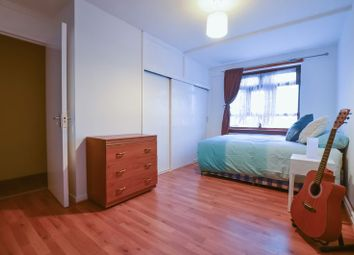 Thumbnail Room to rent in Overbury Street, London