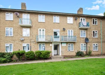 Pinner Grove, Pinner HA5. 2 bed flat